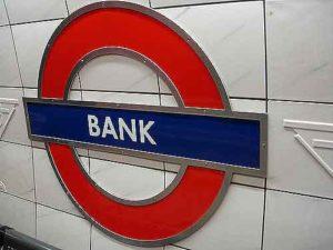 Чем отличаются срочные вклады от вкладов «до востребования»?