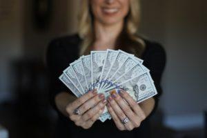 где можно занять денег