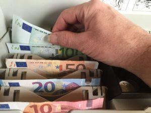 где получить денежные переводы контакт
