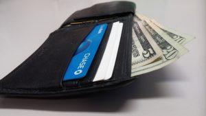 Чем отличается кредит от кредитной карты?