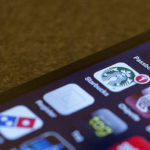 Как можно платить телефоном вместо кредитной карты?