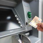 Где можно снимать деньги с карты Тинькофф наличными и без комиссий