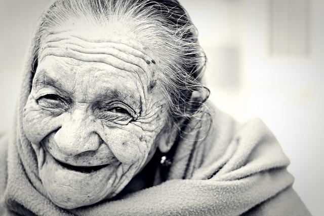 Что представляет из себя пенсионная карта Мир от Сбербанка: плюсы и минусы, отзывы?