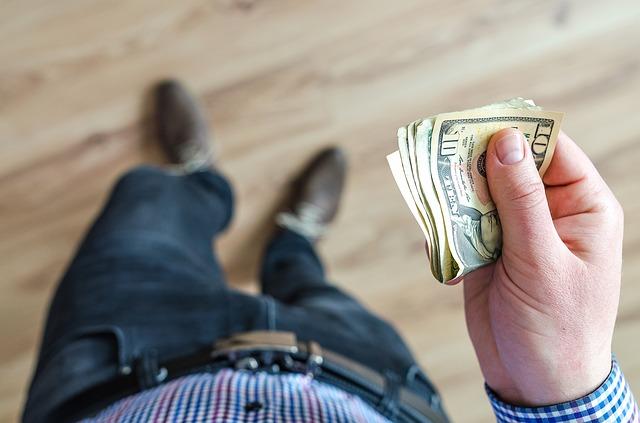 как вывести деньги с теле2 на карту Сбербанка
