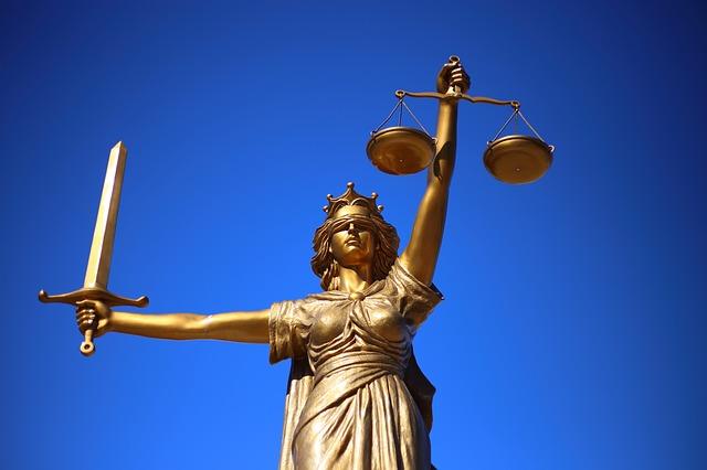 какие банки не работают с судебными приставами